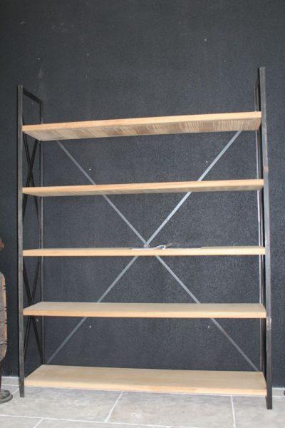 Étagère en fer forgé et bois massif