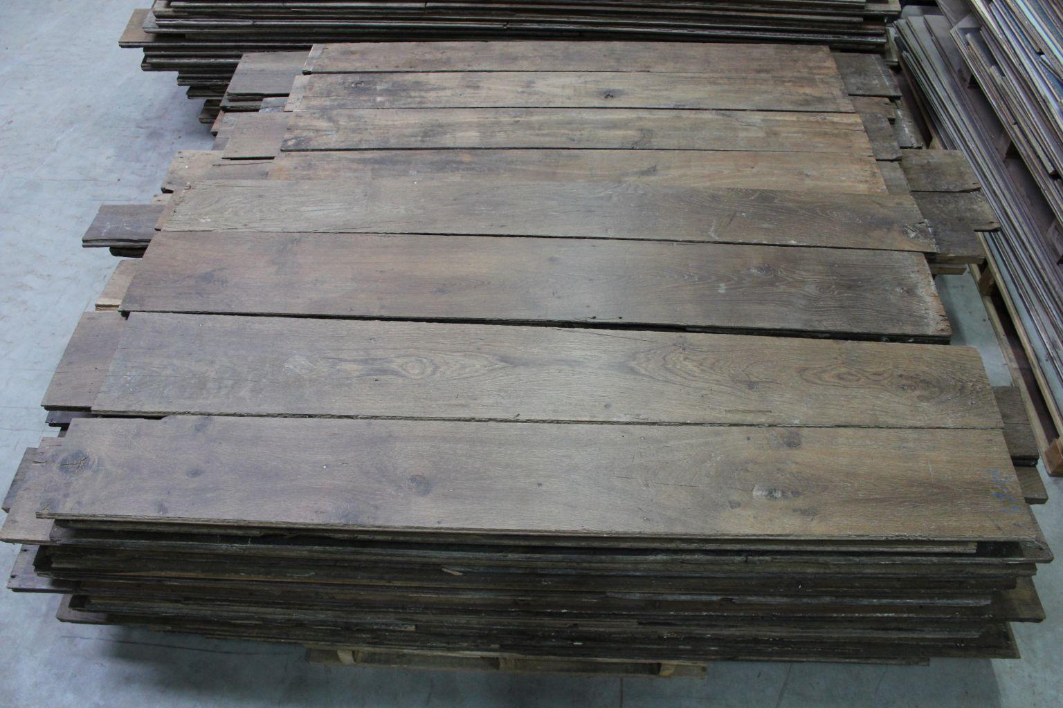 plancher ancien en ch ne patine ancienne authentique bca mat riaux. Black Bedroom Furniture Sets. Home Design Ideas