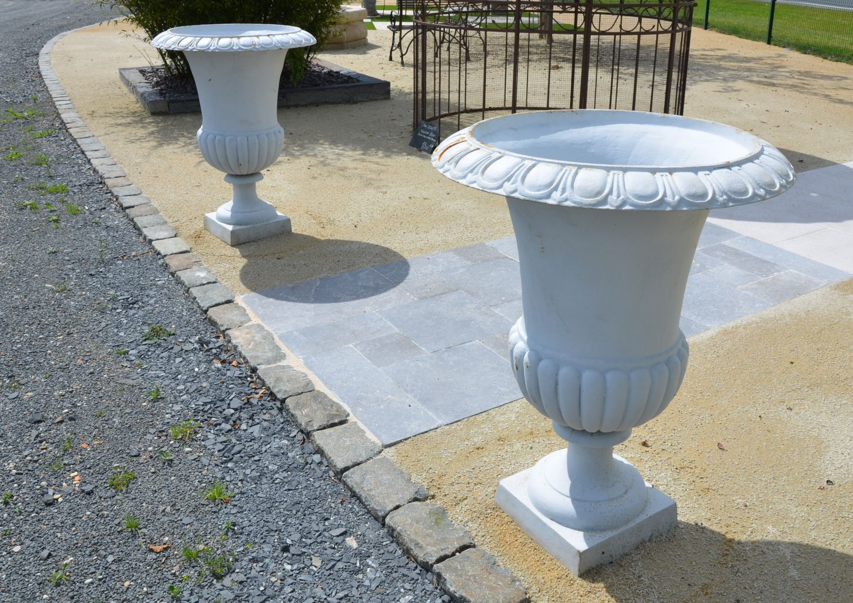 vase m dicis en fonte blanc hauteur 100 cm bca mat riaux anciens. Black Bedroom Furniture Sets. Home Design Ideas