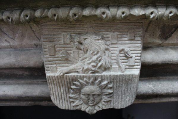 cheminée ancienne en grès
