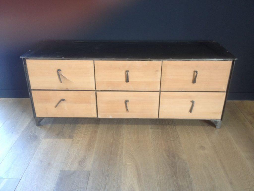 Meuble en fer et bois exotique 6 tiroirs for Entretien meuble bois exotique