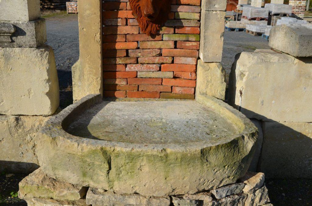 Magnifique fontaine ancienne en pierre et en briques - Bassin recreatif ancienne lorette calais ...