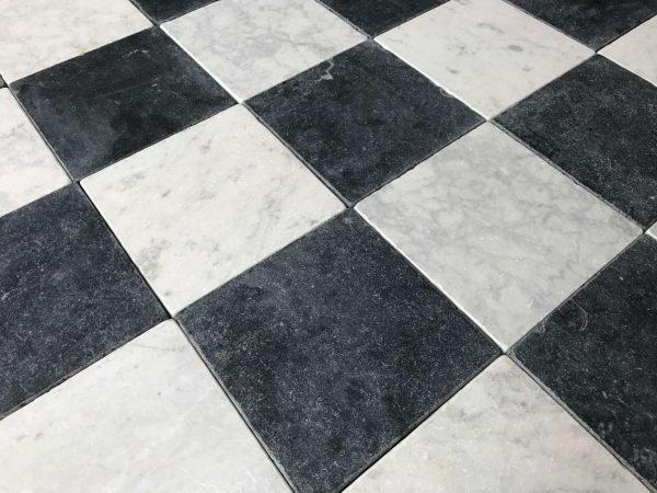 carrelage marbre et noir et blanc vieillie