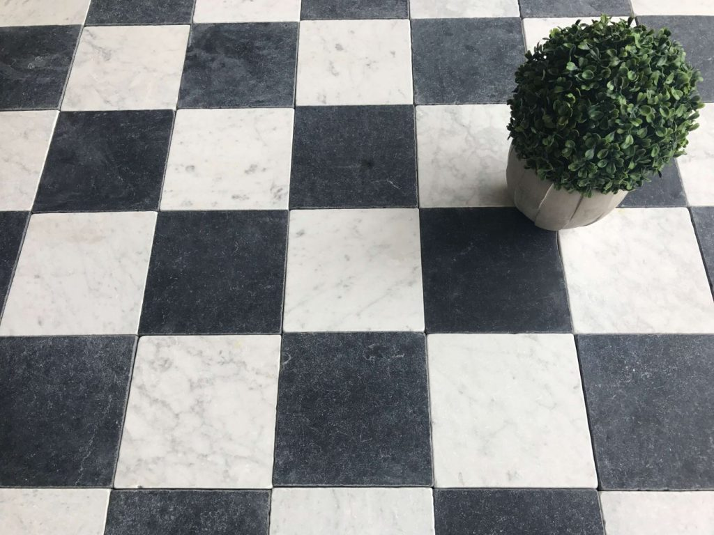 Carreaux marbre vieilli damier noir et blanc bca for Carrelage damier
