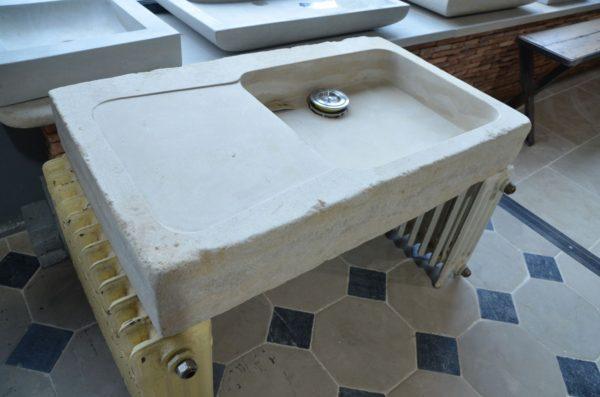 vier rectangulaire en pierre naturelle sur mesure bca mat riaux. Black Bedroom Furniture Sets. Home Design Ideas