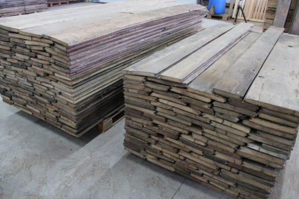 stock de plancher ancien en chêne
