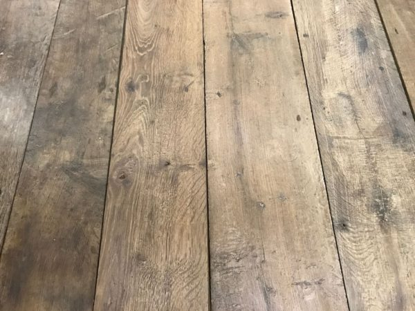Plancher ancien en vieux chêne