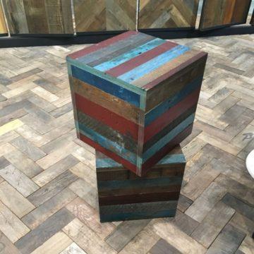 Cube de lames de parquet colorées