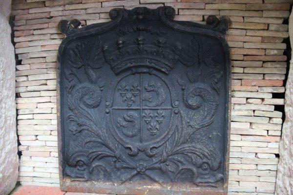 Plaque de cheminée ancienne fleur de lys