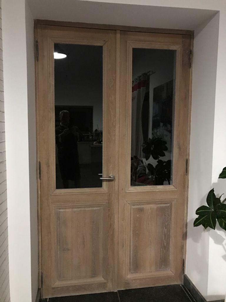 porte ancienne en vieux ch ne fabrication neuve dans du vieux ch ne. Black Bedroom Furniture Sets. Home Design Ideas