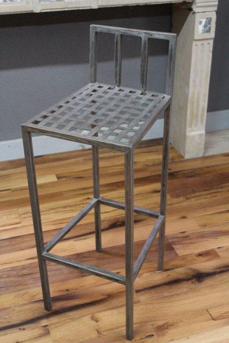 chaise haute de bar en fer style industriel bca mat riaux anciens. Black Bedroom Furniture Sets. Home Design Ideas