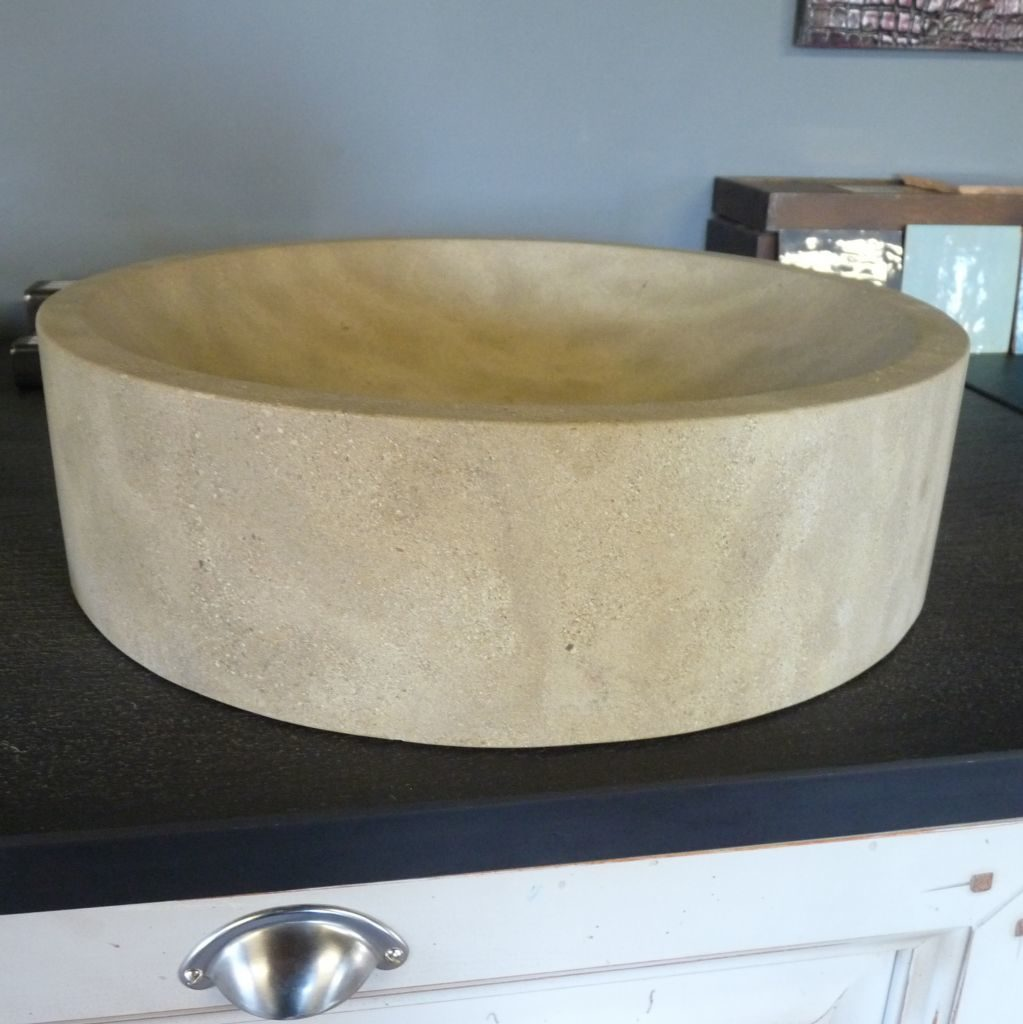 vasque ronde en pierre naturelle bca mat riaux anciens. Black Bedroom Furniture Sets. Home Design Ideas