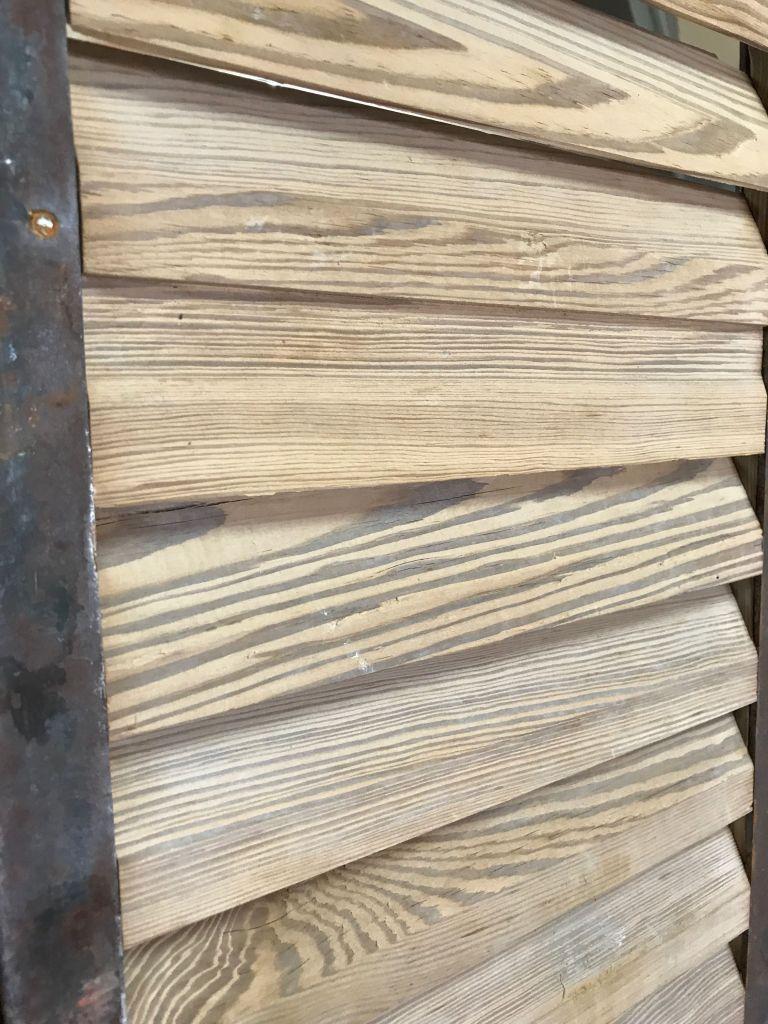 Persienne bois ancienne ossature m tal bca mat riaux for Persienne interieur bois