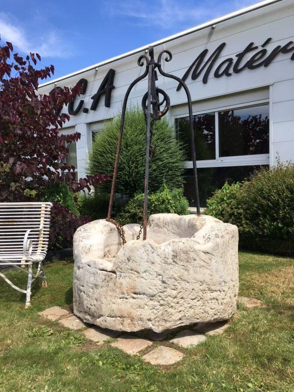 Puits en pierre ancien pierre calcaire bca mat riaux - Puit en pierre ...