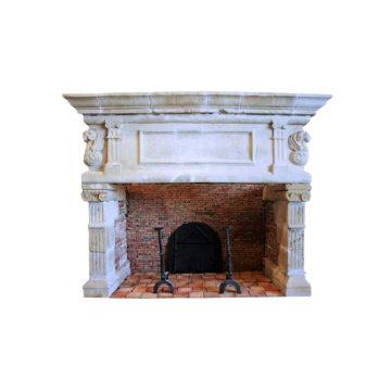 cheminee renaissance style ancien en pierre et briques anciennes