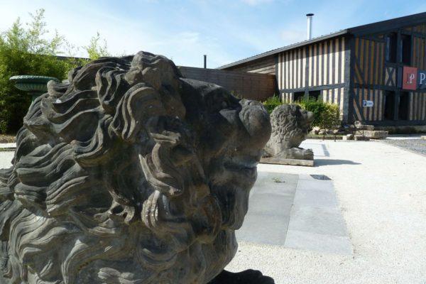 lion en pierre reconstituée