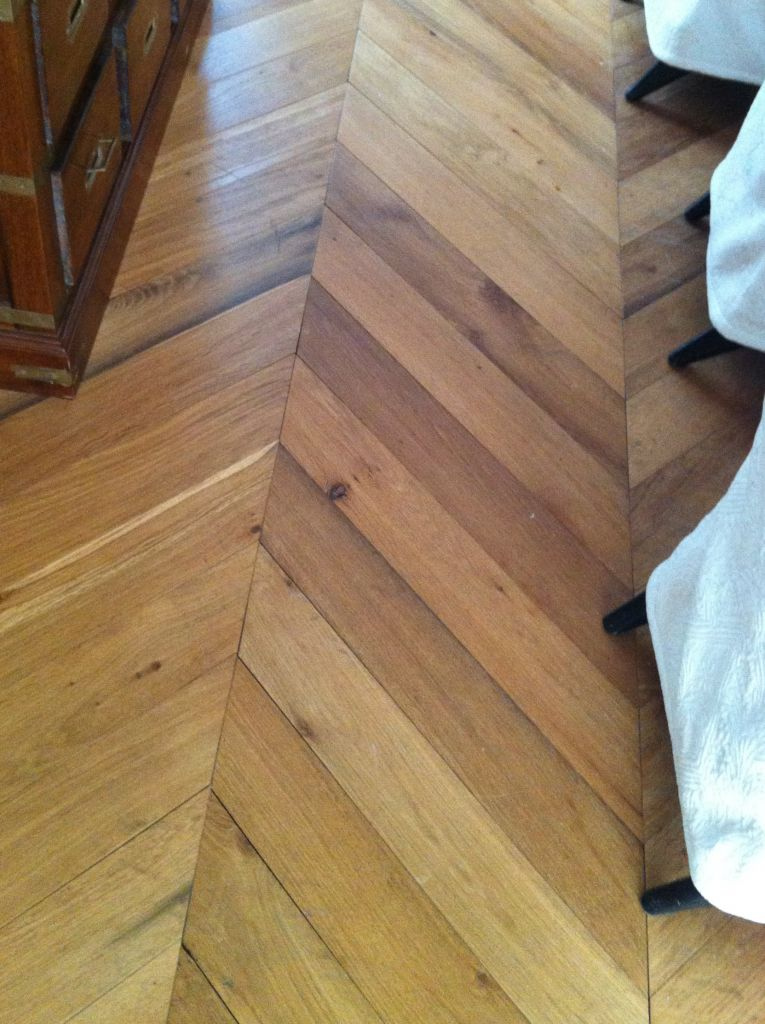 parquet en point de hongrie ancien en ch ne bca mat riaux anciens. Black Bedroom Furniture Sets. Home Design Ideas