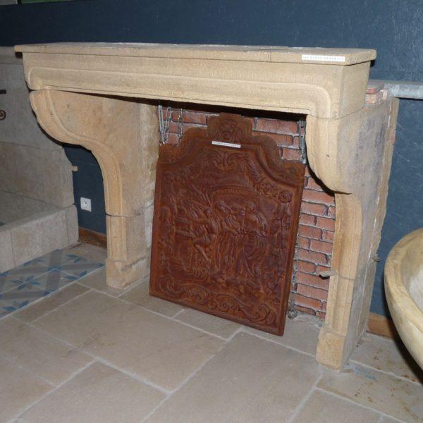 cheminée en pierre de bourgogne ancienne
