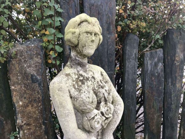 statue pierre ancienne