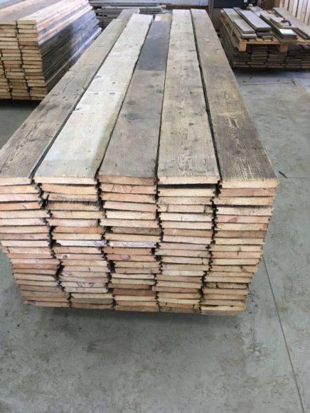 stock de plancher ancien en sapin