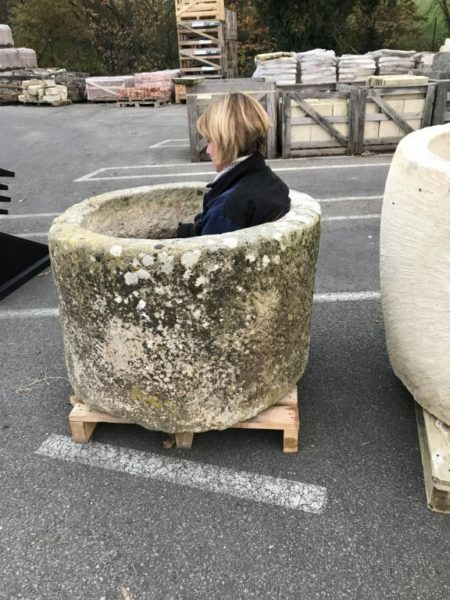 bac circulaire en pierre ancienne