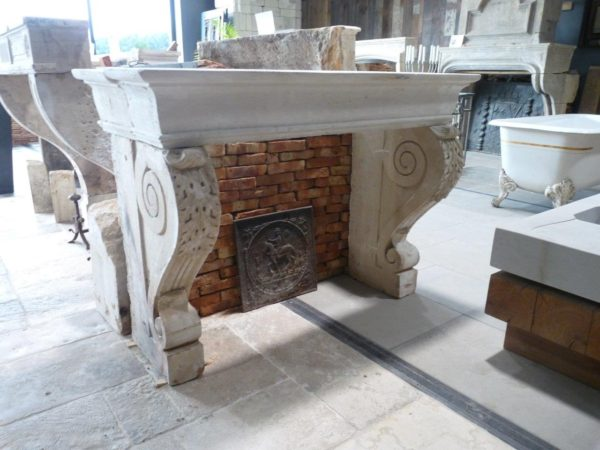 cheminée en pierre