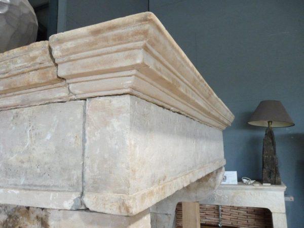 chemin e campagnarde en pierre hauteur 197 cm bca. Black Bedroom Furniture Sets. Home Design Ideas