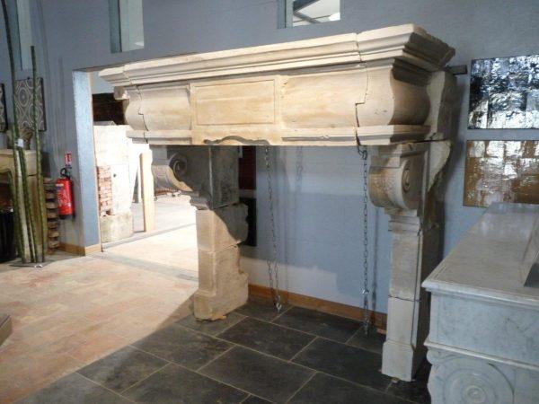 manteau de cheminée en pierre