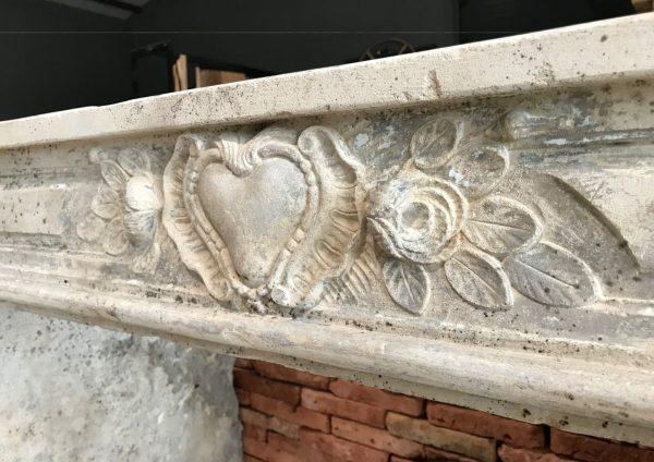 cheminée en pierre de France