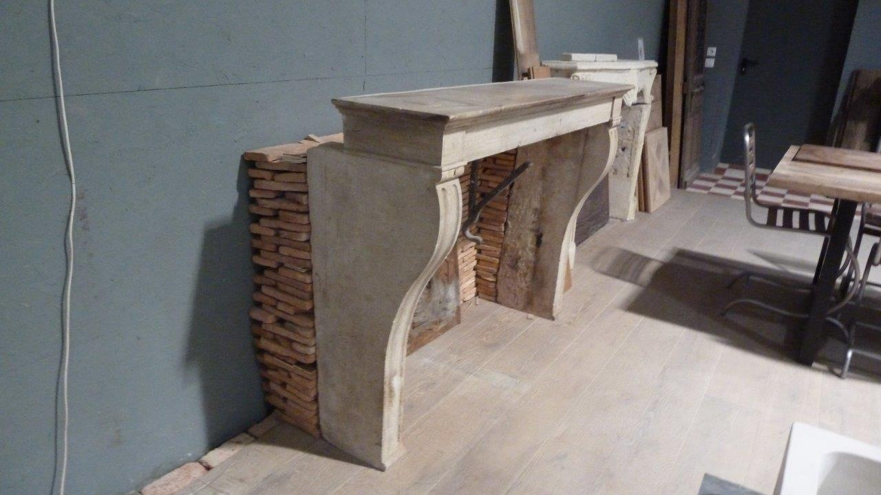 ancienne chemin e campagnarde en pierre bca mat riaux anciens. Black Bedroom Furniture Sets. Home Design Ideas