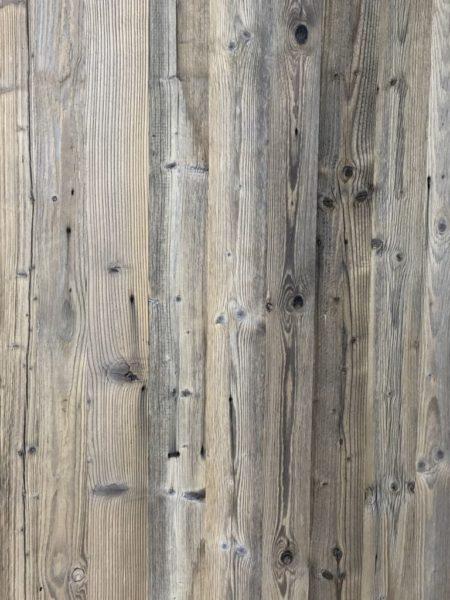 panneau en vieux bois gris pour chalet
