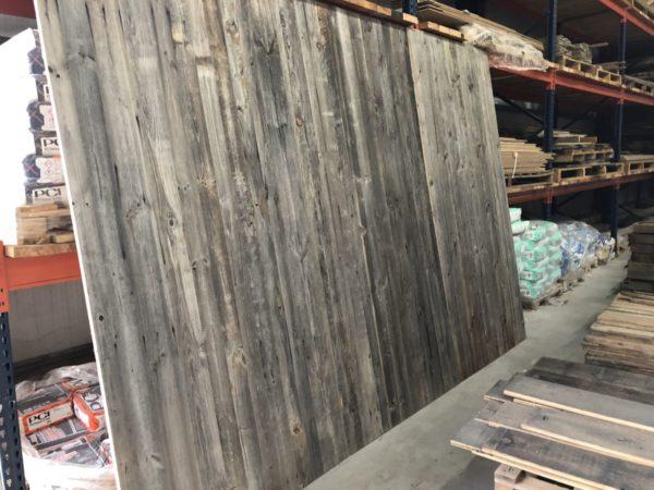 panneau vieux bois au style rustique