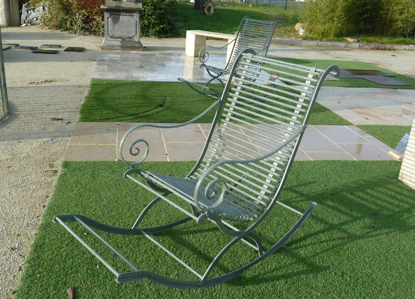 rocking chair en m tal aspect ancien bca mat riaux anciens. Black Bedroom Furniture Sets. Home Design Ideas