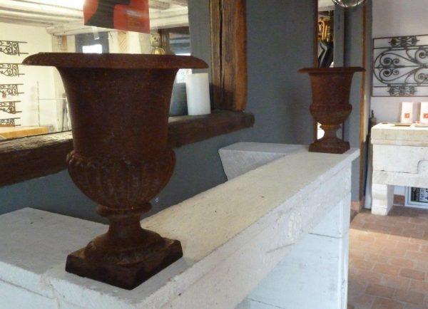 Vase medicis en fonte ancien