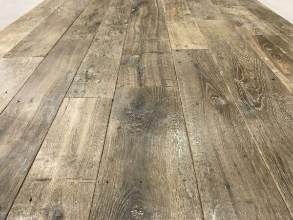 Vieux plancher en chêne