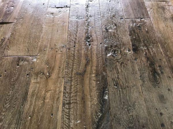 sol en plancher ancien en vieux bois