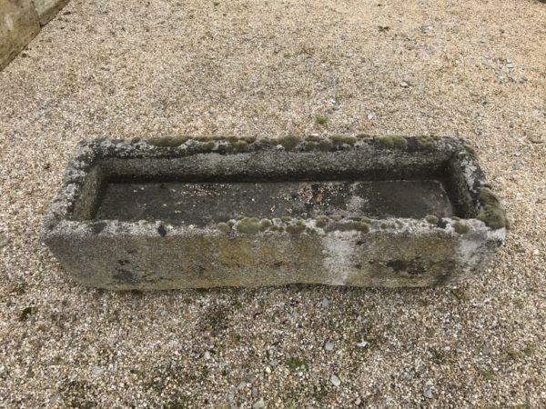 auge de jardin en pierre de granit