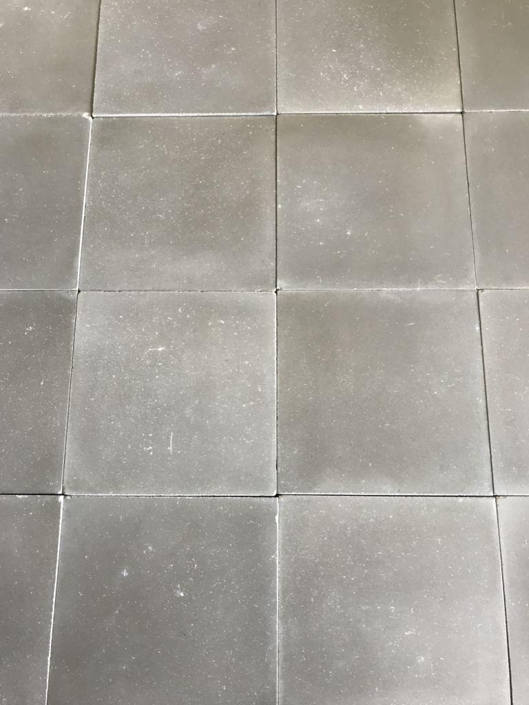 carreaux de ciment gris finition vieillie bca mat riaux anciens. Black Bedroom Furniture Sets. Home Design Ideas