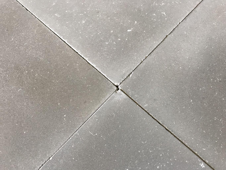 carreaux de ciment gris finition vieillie bca. Black Bedroom Furniture Sets. Home Design Ideas