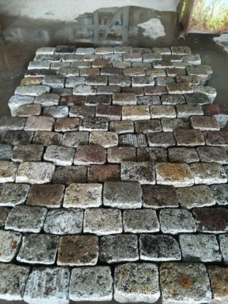 pavé de récupération en granit