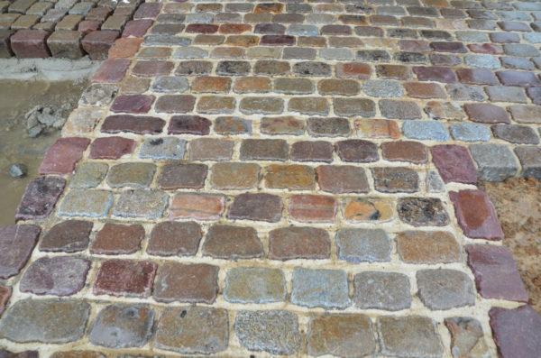 pavés de rue en grès et granit coloré multicolor