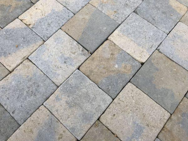 pave pierre naturelle