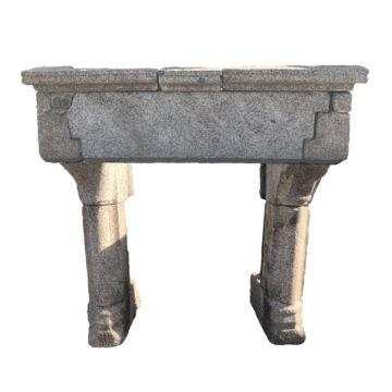 cheminée en granit gothique