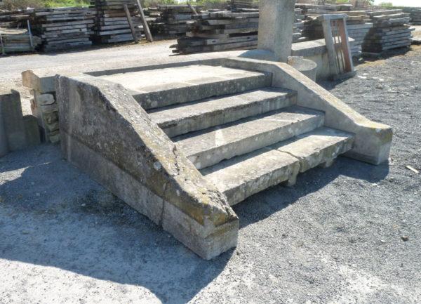 perron maison ancienne pierre