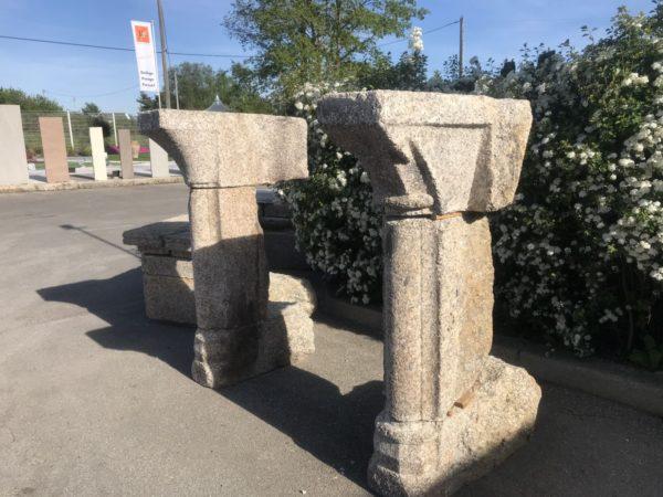 pied de cheminée ancienne en granit
