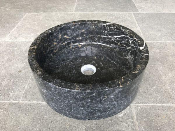 vasque en marbre noir et blanc