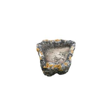 auge ancienne en pierre format trapèze