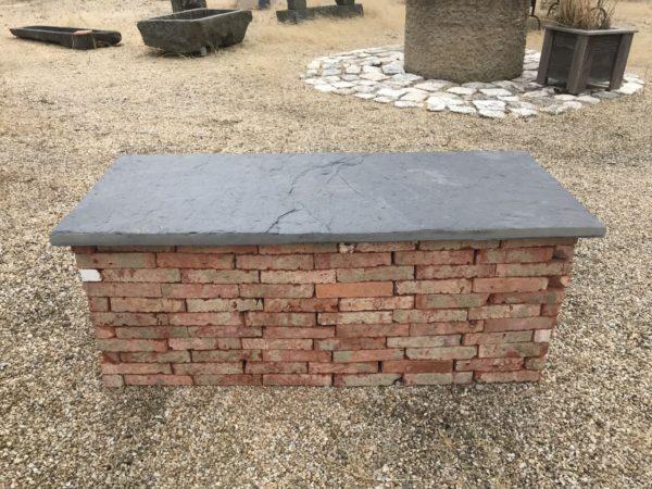 banc ardoise et brique
