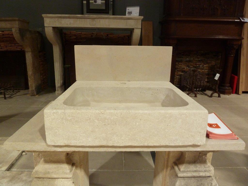 Vier en pierre naturelle beige avec cr dence bca mat riaux - Evier en pierre ancien ...