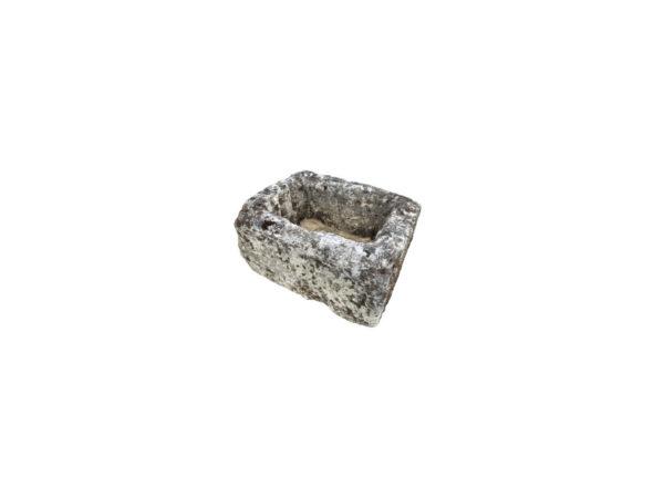 petit bac ancien en pierre